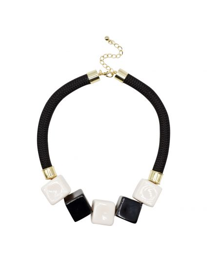 Extravagant Cube Necklace